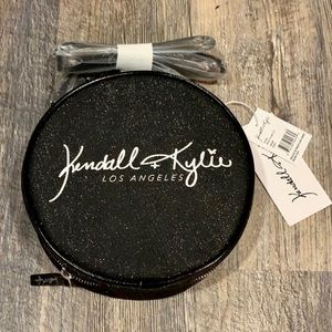 Kendall + Kylie Los Angeles Round Case